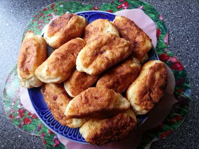 Творожные пирожки с повидлом